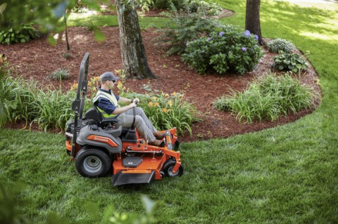 Choosing the Best Ride-on Mower for Professional Use